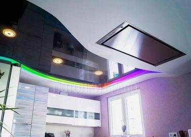 Глянцевый черный с радужной подсветкой натяжной потолок НП-1832