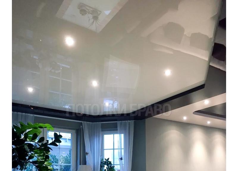 Матовый серый со светильниками натяжной потолок НП-1834