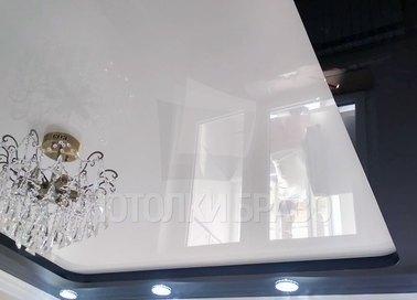 Матовый белый под люстру натяжной потолок НП-1835