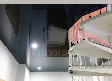 Черный глянцевый натяжной потолок со светильниками НП-1864