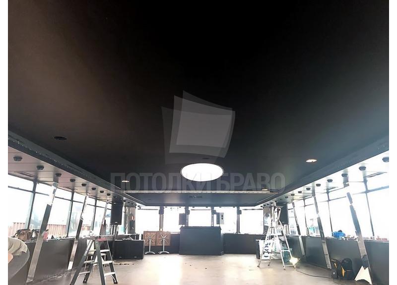 Матовый черный натяжной потолок для спортзала НП-1867