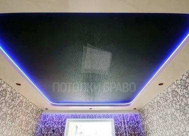 Матовый черно-белый натяжной потолок с освещением НП-1899
