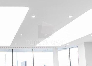 Матово-глянцевый натяжной потолок для автосалона НП-111 - фото 4