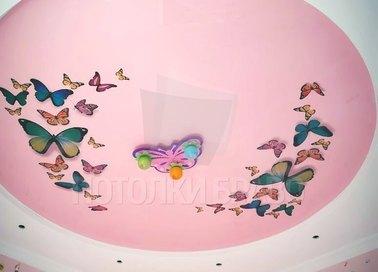 Круглый розовый натяжной потолок с бабочками НП-113
