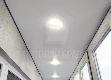 Белый матовый натяжной потолок с точечной подсветкой НП-126