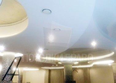 Сложный сатиновый натяжной потолок для бассейна НП-152