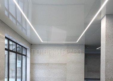 Глянцевый натяжной потолок с диодными лентами НП-160