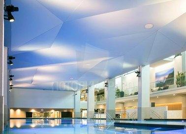 Геометрический сатиновый натяжной потолок НП-161