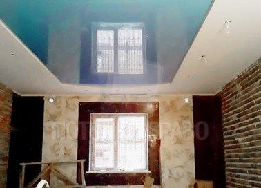 Двухцветный натяжной потолок для бассейна НП-163